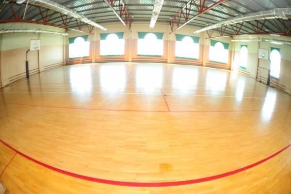 TRIPLE ROOM / Sport hall